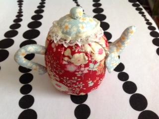 Name:  Teapot Pincushion.JPG Views: 58 Size:  37.0 KB