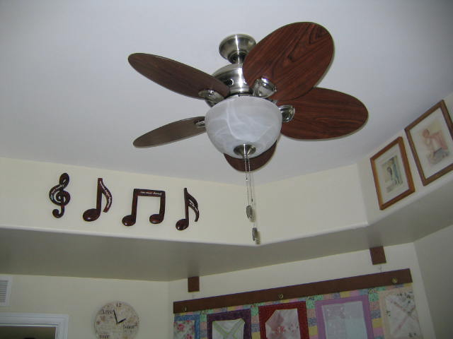 Name:  roundthesewingroomfan 014.JPG