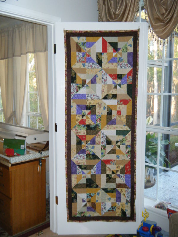 Simple christmas quilt and french door panel quilt for Front door quilt pattern