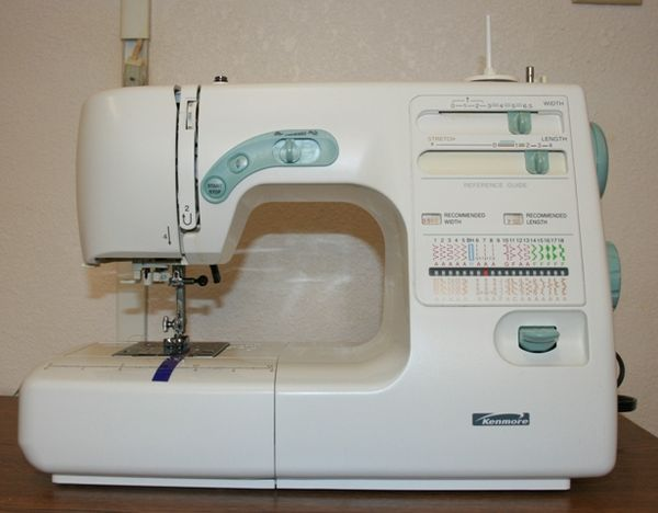 Post pictures of your sewing machines page 12 for Machine a coudre kenmore modele 385