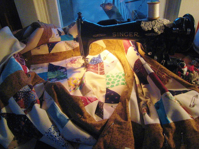 Name:  Quilting with my Singer 15-91.jpg Views: 1211 Size:  264.8 KB
