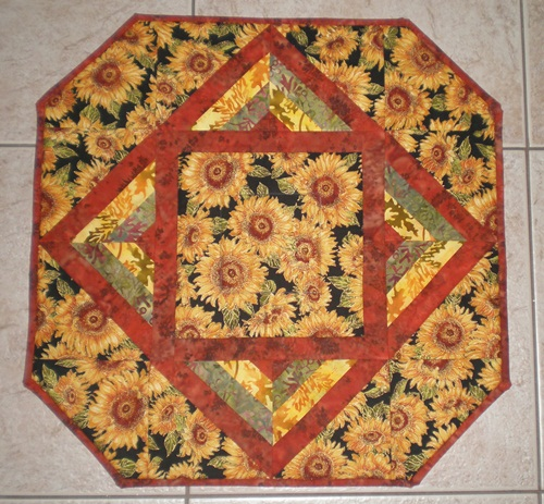 Name:  sunflower table topper.JPG Views: 1417 Size:  146.0 KB