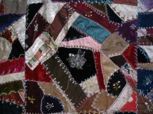 Name:  crazy quilt block with owls and flowers.JPG