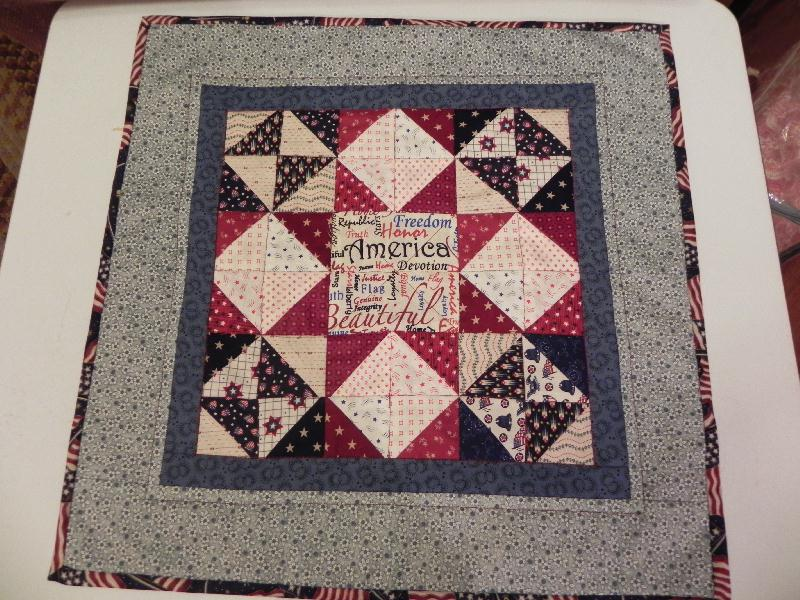 Name:  Feb. 2012 challenge quilt 004.jpg