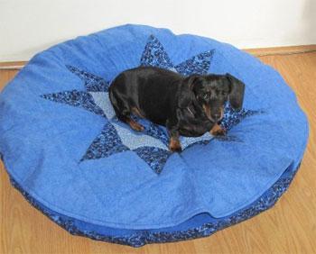 Name:  DogBedKacee2.jpg Views: 3321 Size:  23.8 KB