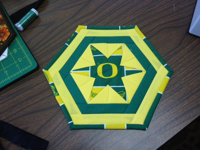 Name:  U of O Kitchen Quilt.jpg