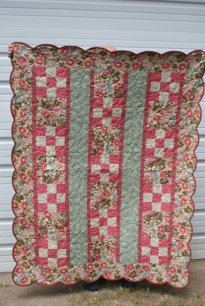 Name:  scalloped quilt.jpg