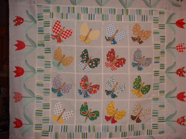 Name:  Tulip Butterfly Quilt 002.jpg