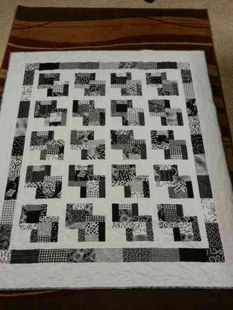 Name:  b and w quilt resized.jpg
