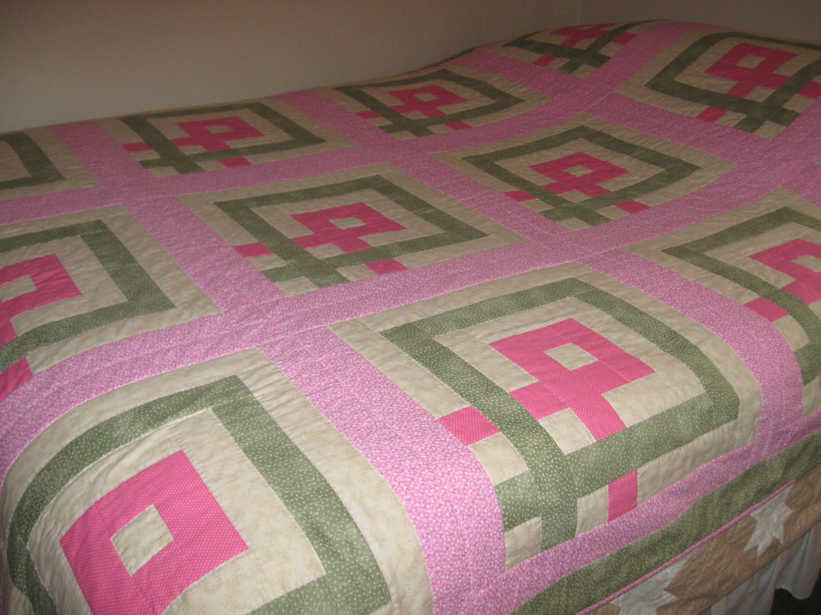 Name:  breast cancer quilt for crop 005.JPG