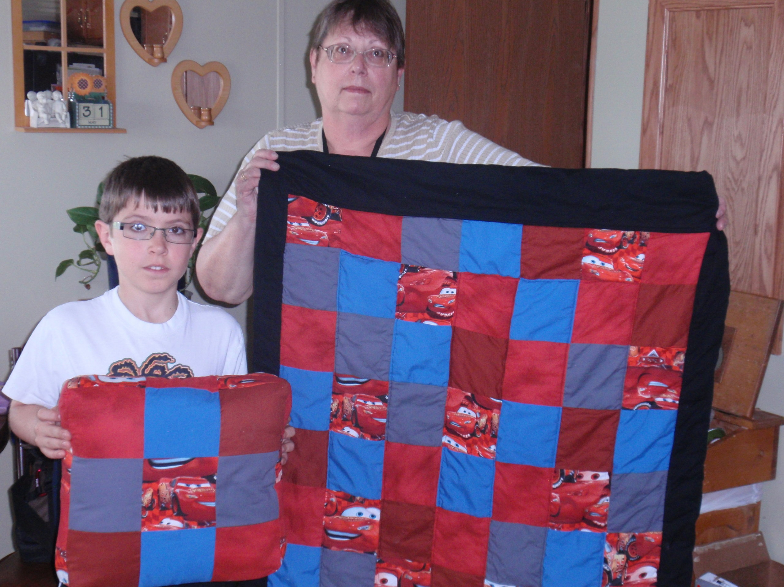 Name:  Hunter and his quilt 6.jpg Views: 207 Size:  670.2 KB