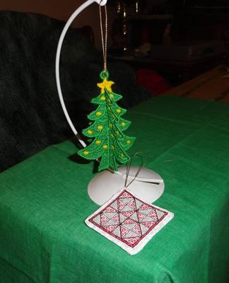 Name:  2012 ornament swap sent.JPG Views: 2058 Size:  18.2 KB