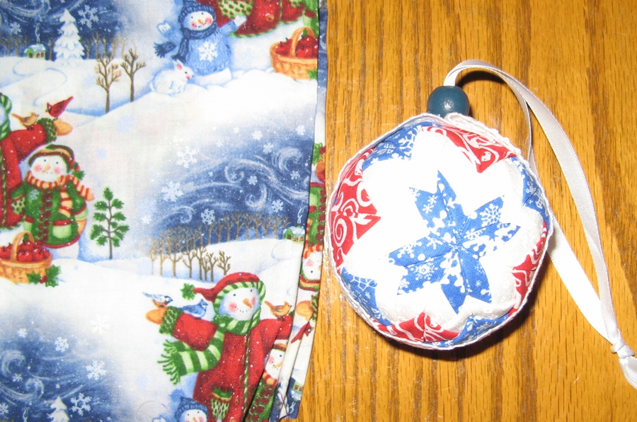Name:  Christmas ornaments and halloween quilt 015.JPG Views: 2050 Size:  246.7 KB