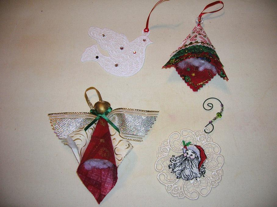 Name:  Ornaments sent for '12 Swap.JPG