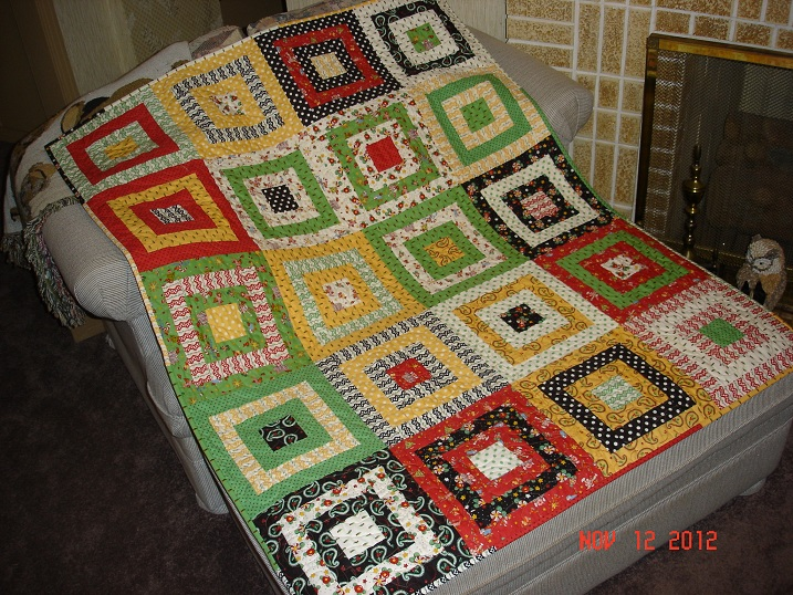 Name:  2012 Christmas Quilt front.jpg