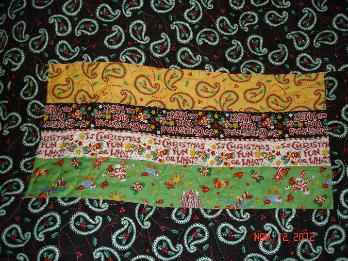 Name:  2012 Christmas Quilt patch on back.jpg