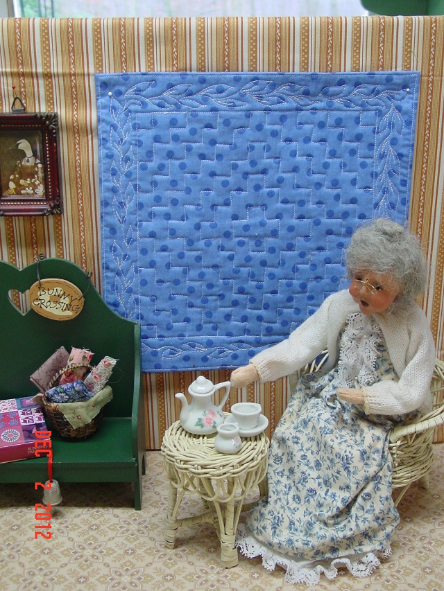 Name:  Moon, mini quilt portraits  Dec 2012 006.JPG
