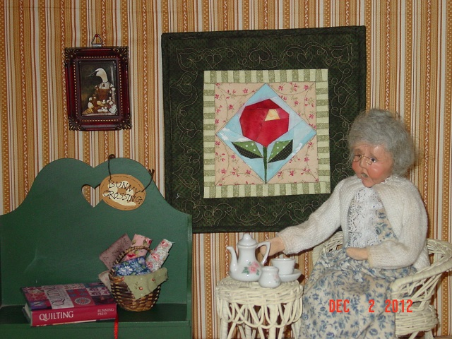 Name:  Moon, mini quilt portraits  Dec 2012 010.JPG