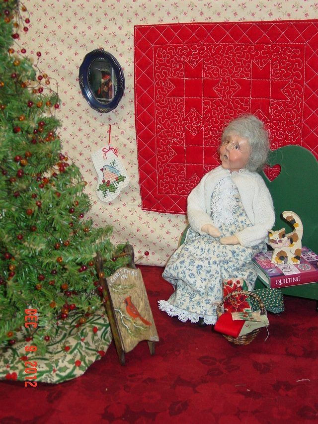 Name:  mini xmas quilt portrait 12,12 005.JPG