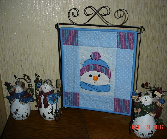 Name:  Mini Snowman quilt.jpg