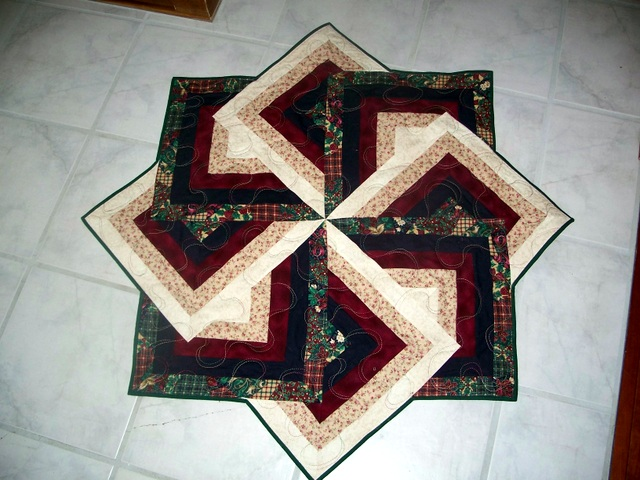 Strata Star Table Toppers Tree Skirt And Quilt