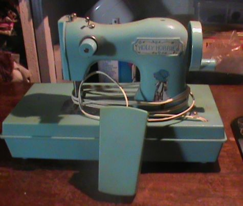 Name:  SEWING MACHINES 009.jpg Views: 1263 Size:  42.6 KB