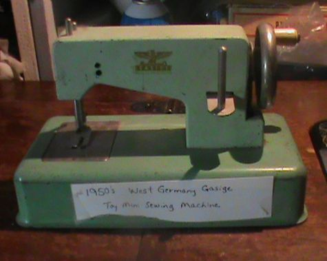 Name:  SEWING MACHINES 011.jpg Views: 1259 Size:  39.8 KB