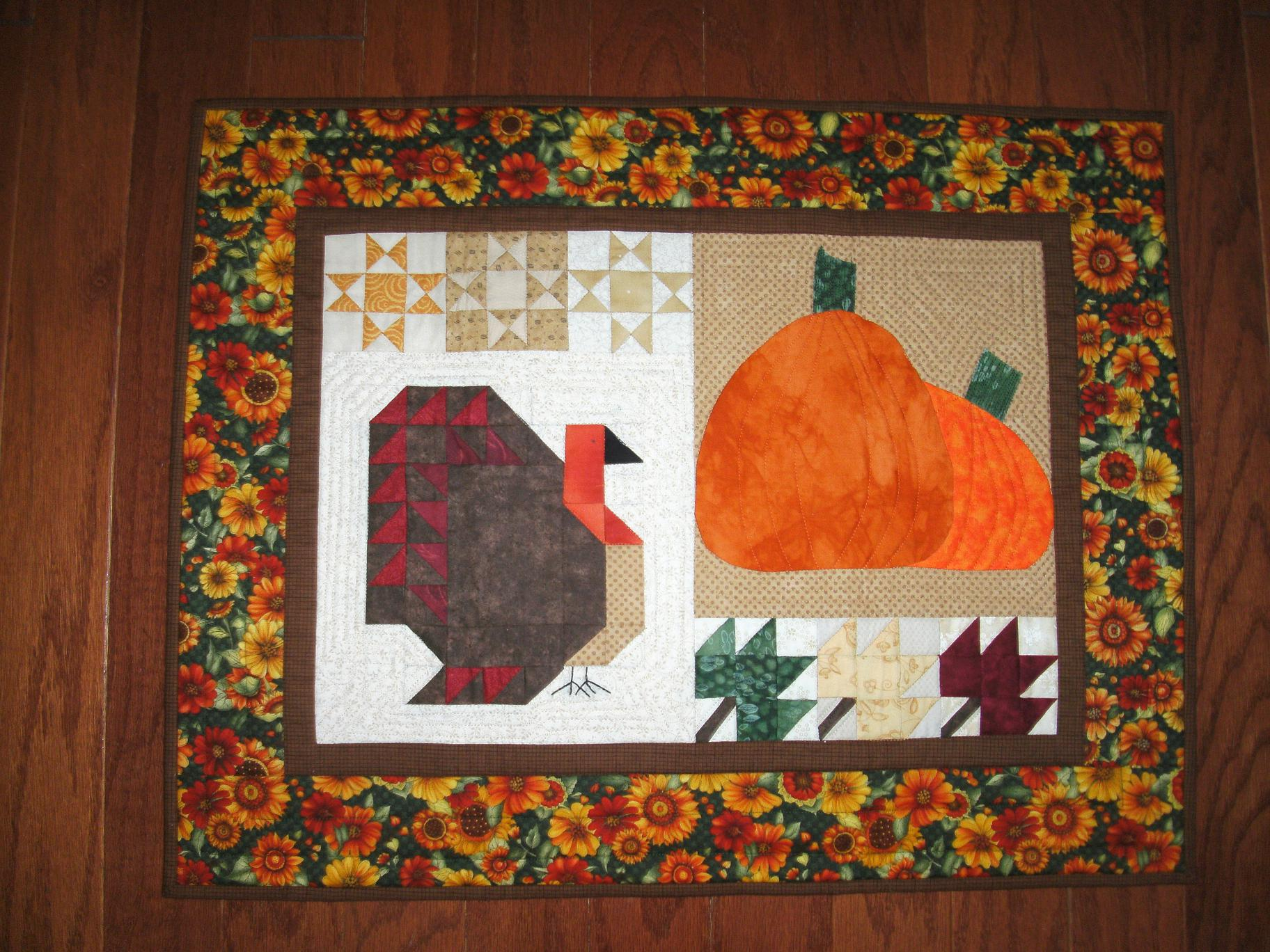 Name:  Nov 2012 doll quilt B. Moffo-quiltingrammy 001.jpg