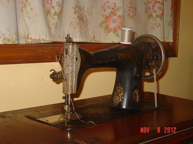 Name:  treadle machine 004.JPG Views: 488 Size:  103.7 KB