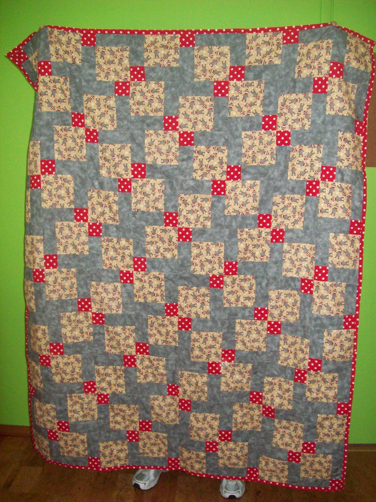 Name:  Sock Monkey Quilt 3-2013 sm.JPG