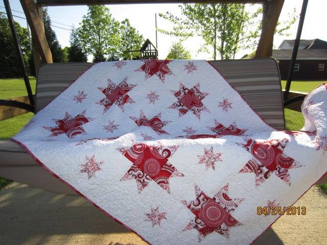 Name:  Web-Gerwitz Wedding Lap Quilt 1.jpg Views: 4507 Size:  137.8 KB