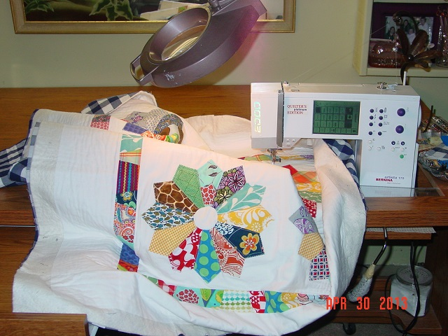 Name:  quilting Baby Dresden Plate 002.JPG