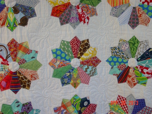 Name:  DP baby quilt finished + pheobe 003.JPG Views: 1417 Size:  175.6 KB