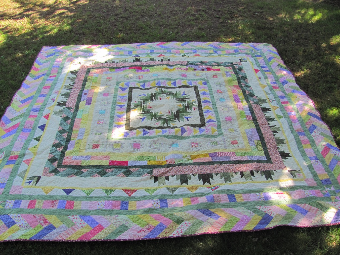 Name:  Finished quilts APrilMay 005.JPG Views: 4075 Size:  718.4 KB