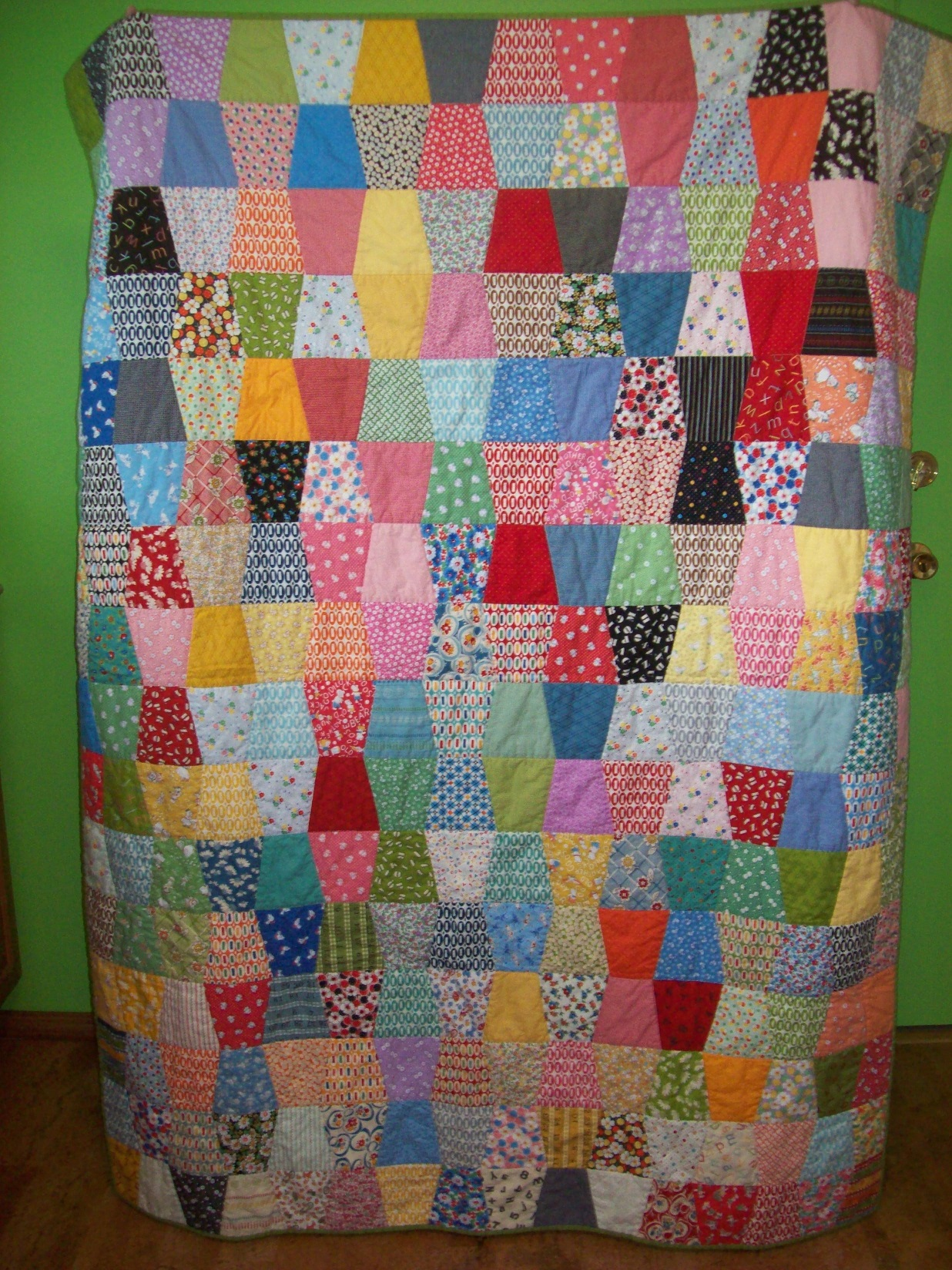 Name:  Quilted Vintage Reproduction Tumbler quilt 4-2013 sm.JPG
