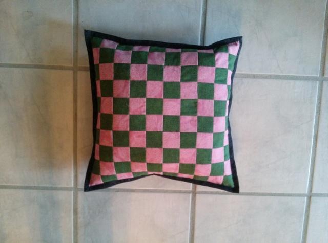 Name:  2-4PP Pillow back.jpg Views: 5724 Size:  102.3 KB