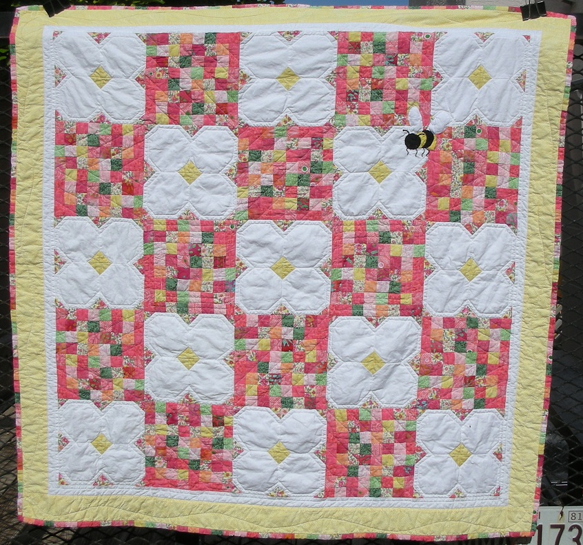 Quilt Patterns For A Girl : Baby Girl quilt