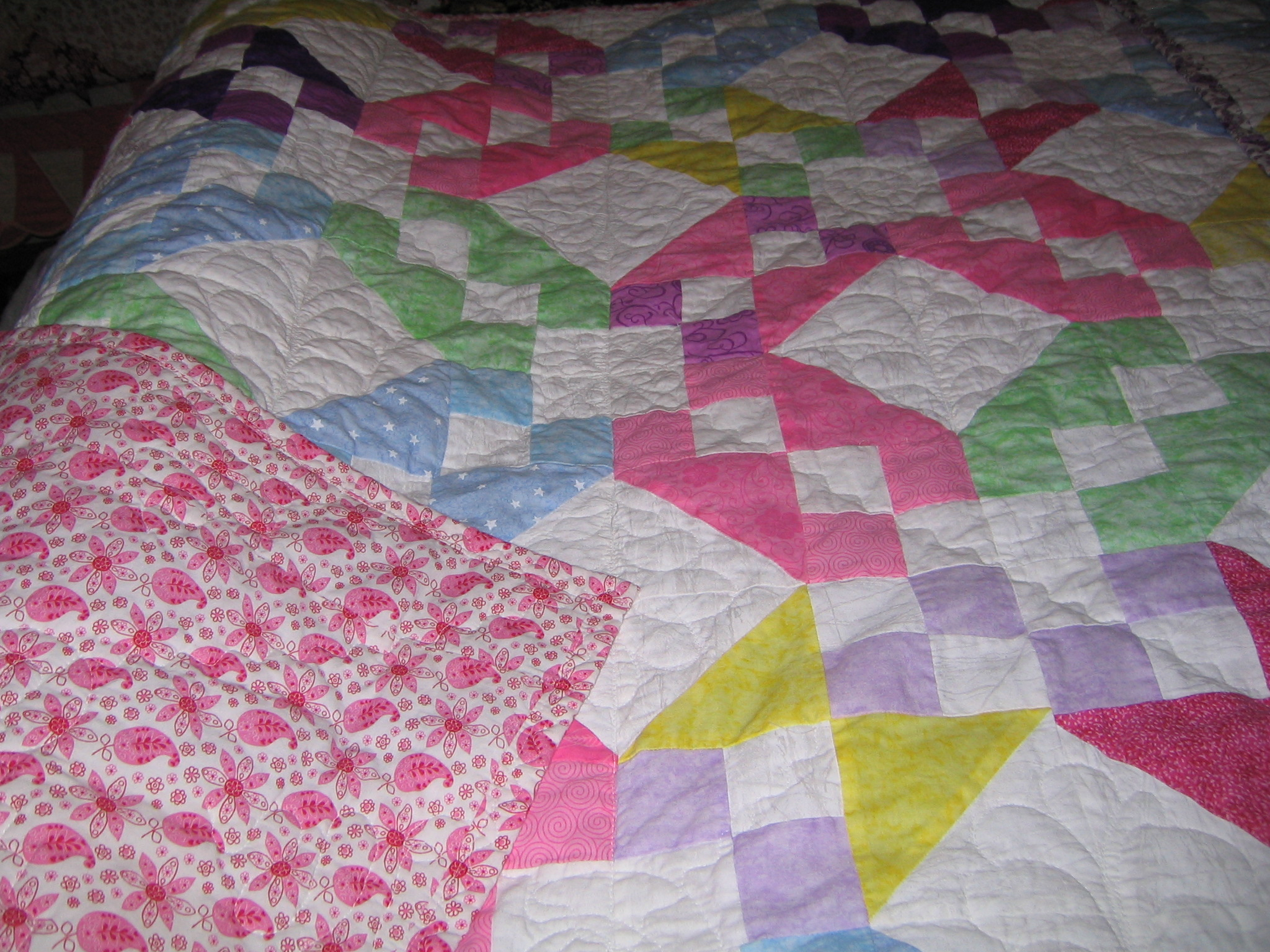 Name:  baby quilts red bags 011.JPG