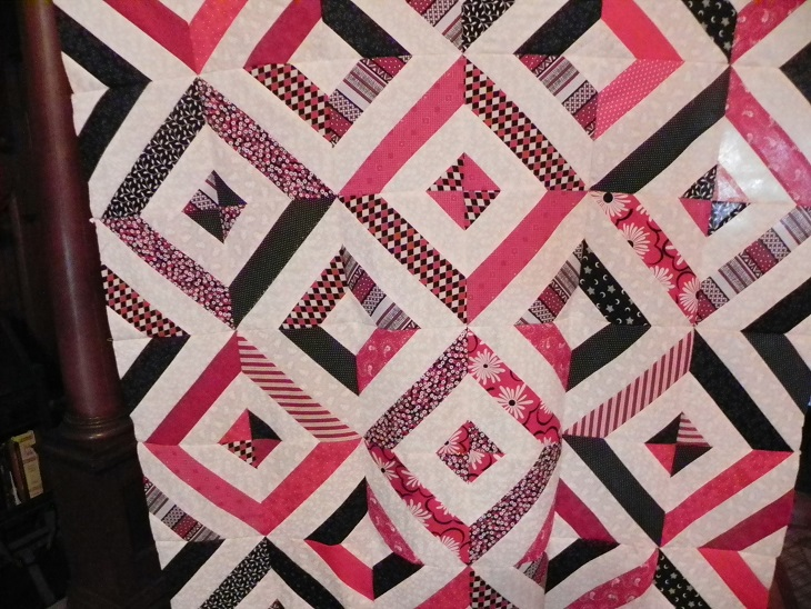 Name:  black red and white quilt flimsy  aug.2014 005.JPG