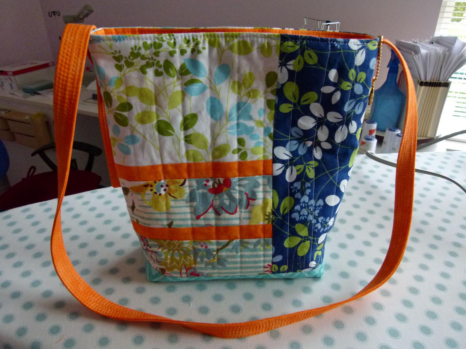 Name:  kayli tote purse.jpg Views: 1008 Size:  319.4 KB