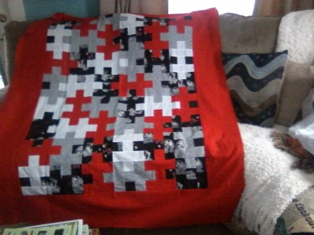 Name:  Red puzzle quilt.jpg Views: 2281 Size:  48.0 KB