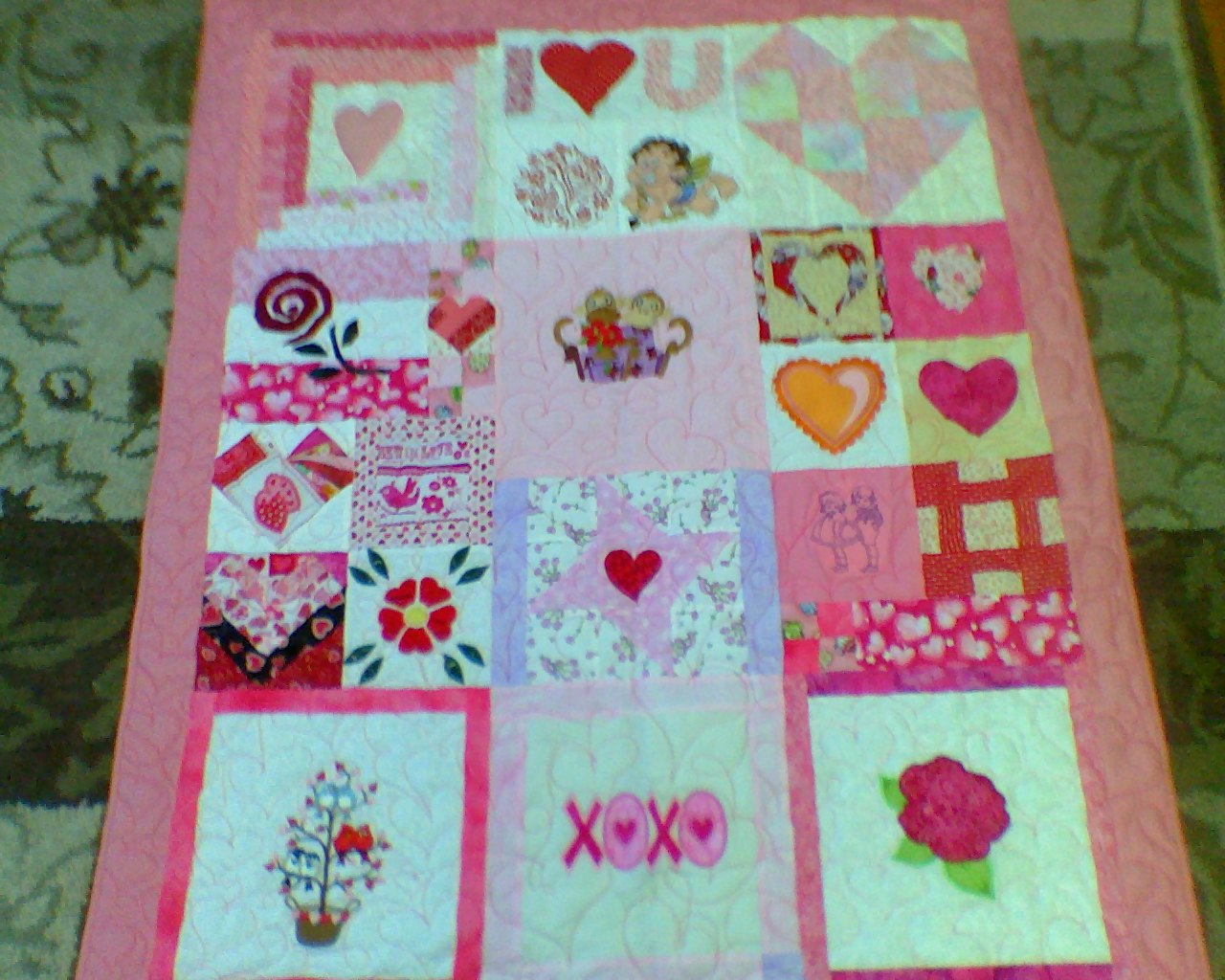 Name:  valentine Quilt.jpg Views: 368 Size:  247.0 KB