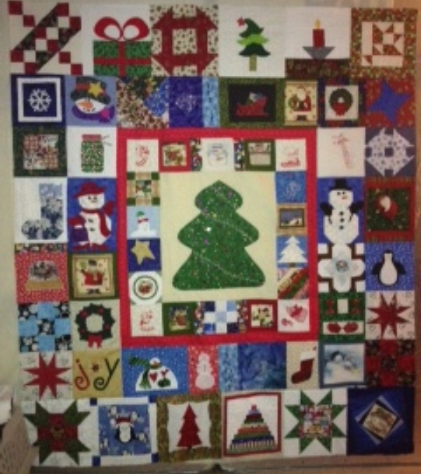 Name:  Christmas Quilt.JPG