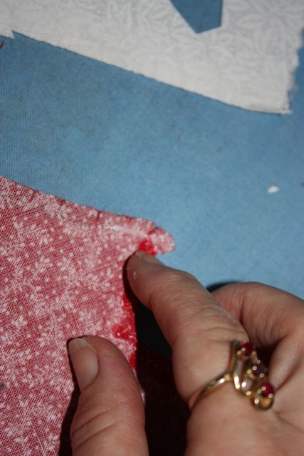 Name:  Applique Tute Glueing the Edge for TX #15.jpg