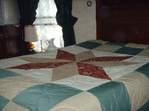 Name:  Quilt2 001 300X224 Jeanne's.jpg