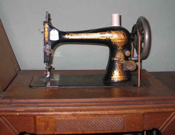 Vintage Sewing Machine Shop Machine Photos Page 32