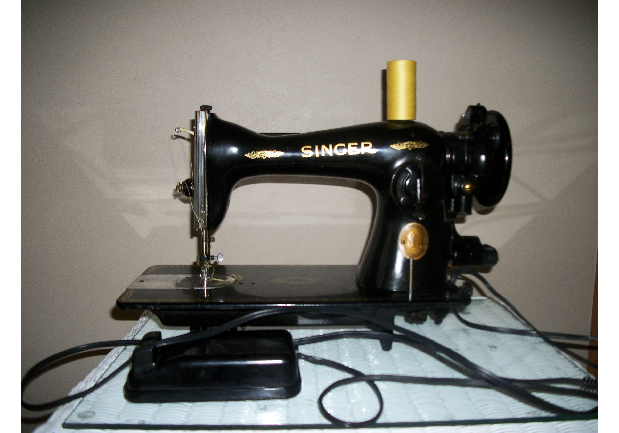 Name:  2012-01-28 Sewing Room and Machines 009.jpg