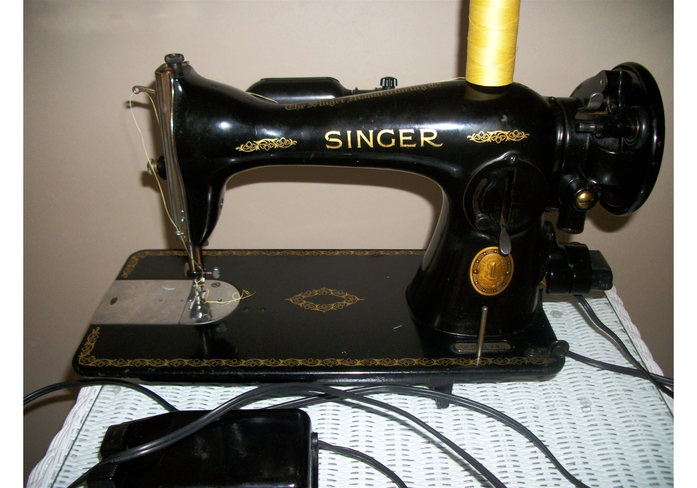 Name:  2012-01-28 Sewing Room and Machines 010.jpg