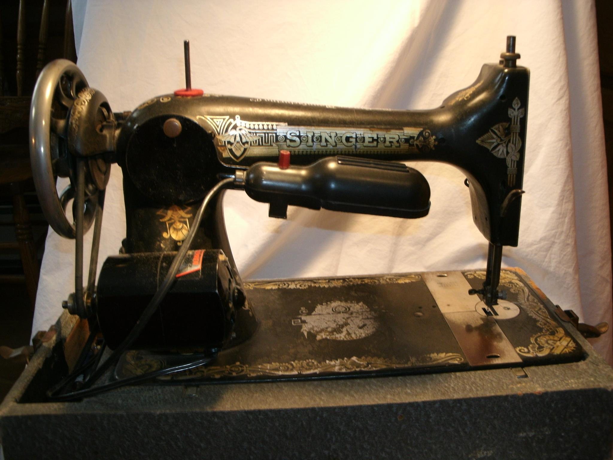 singer 66 dating Dating british singer sewing machines the smaller stable-mate to the singer 66 was the singer 99 identical except for size and a wonderful performer.