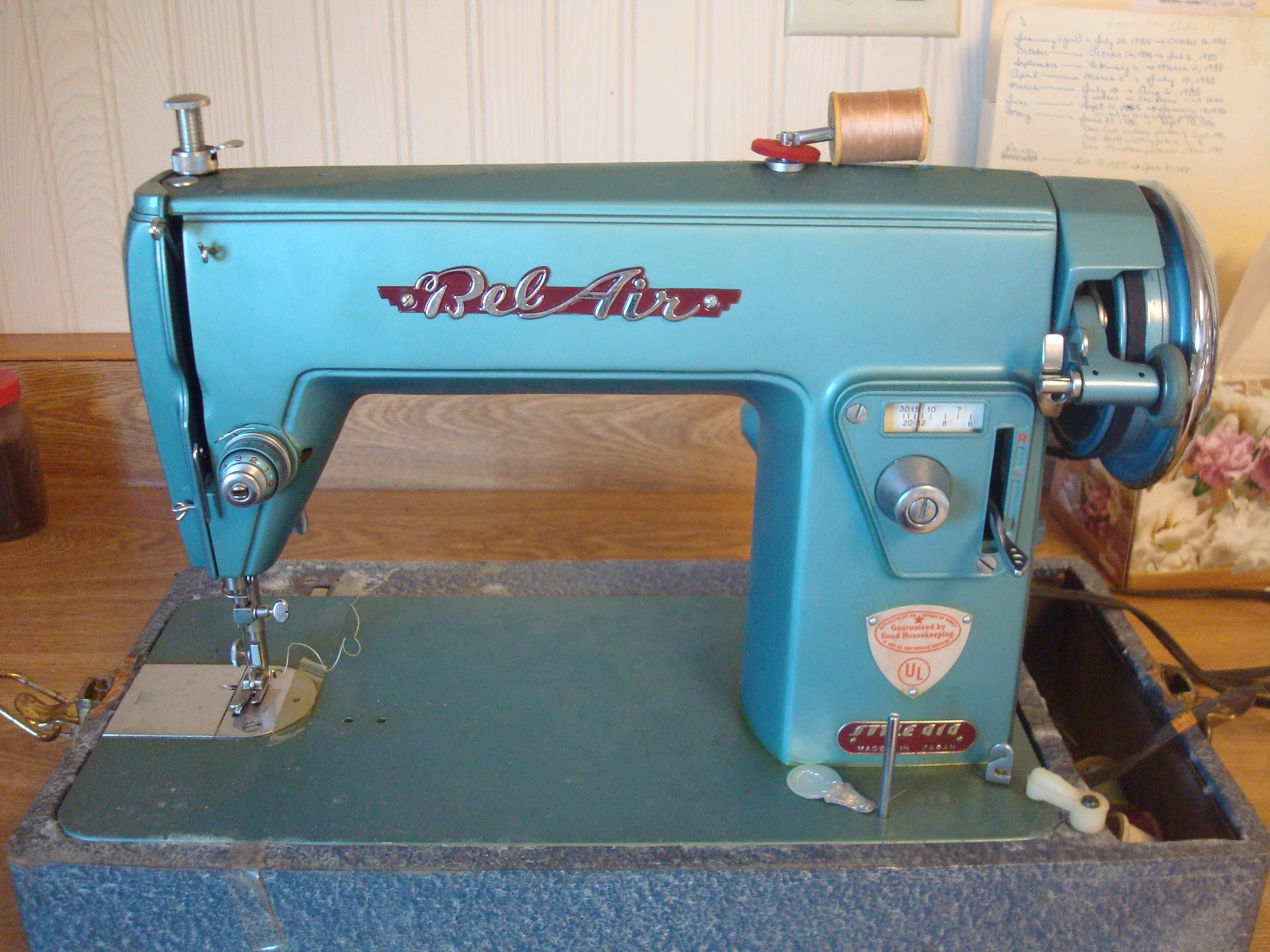 Name:  2012-Feb 18-Bel Air sewing machine style 414 from Mom.jpg